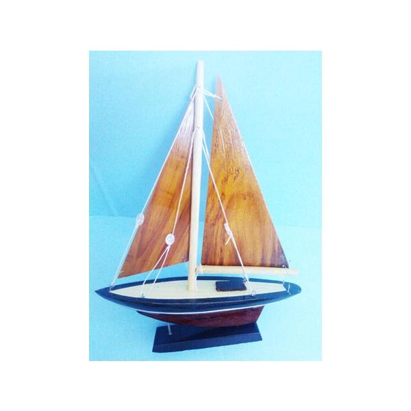 Thuyền buồm 1